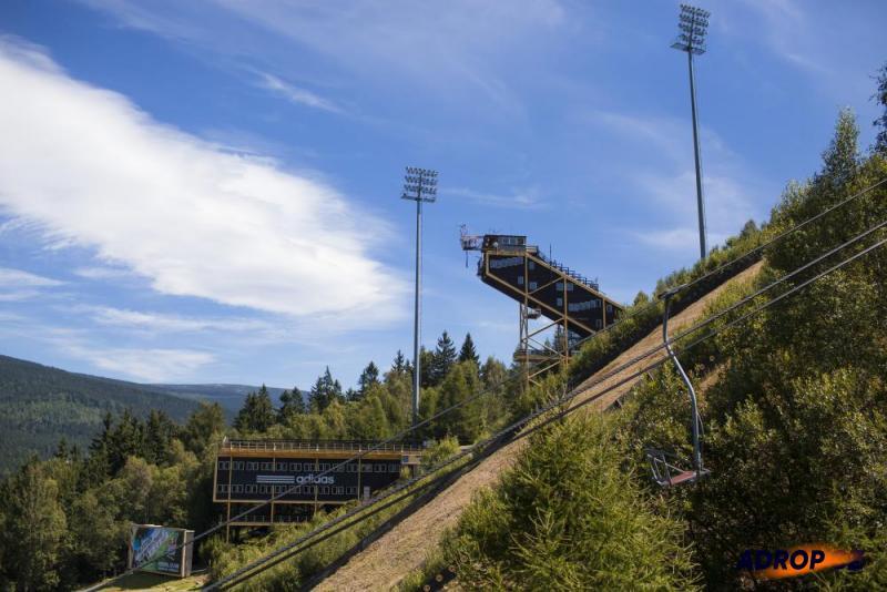 bungee jumping Harrachov - skok z televizní věže