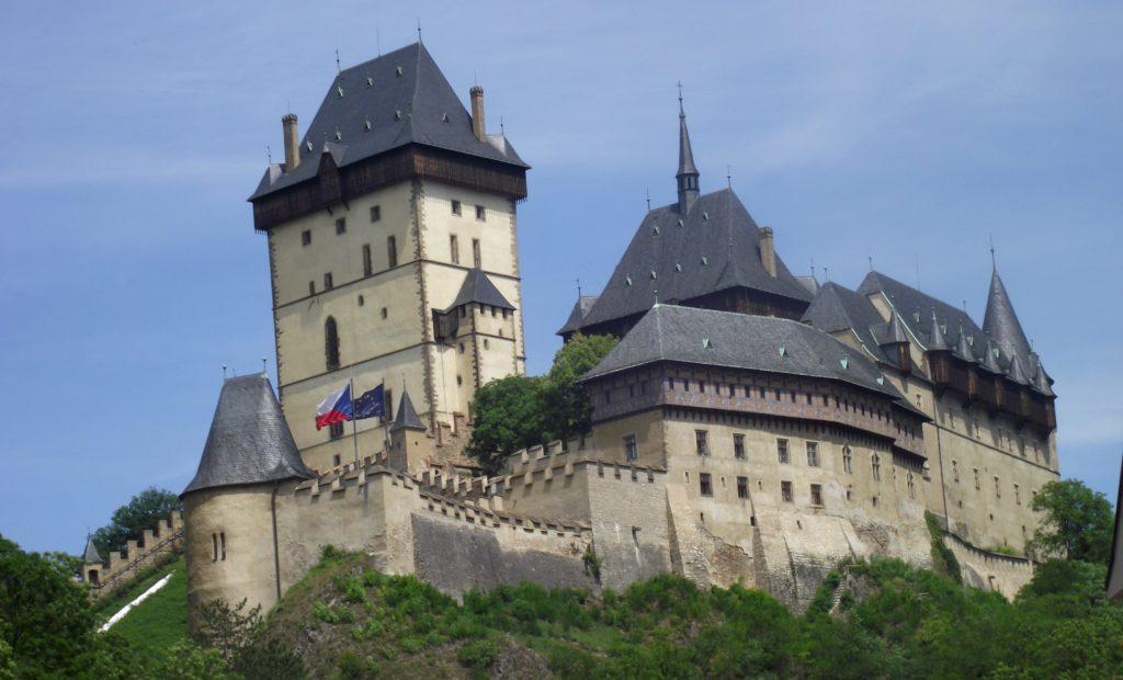 Let balonem Karlštejn, výhled na hrad