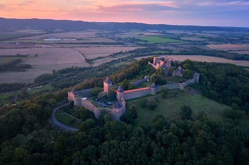 Let balonem Helštýn nabízí krásný pohled na hrad a okolí