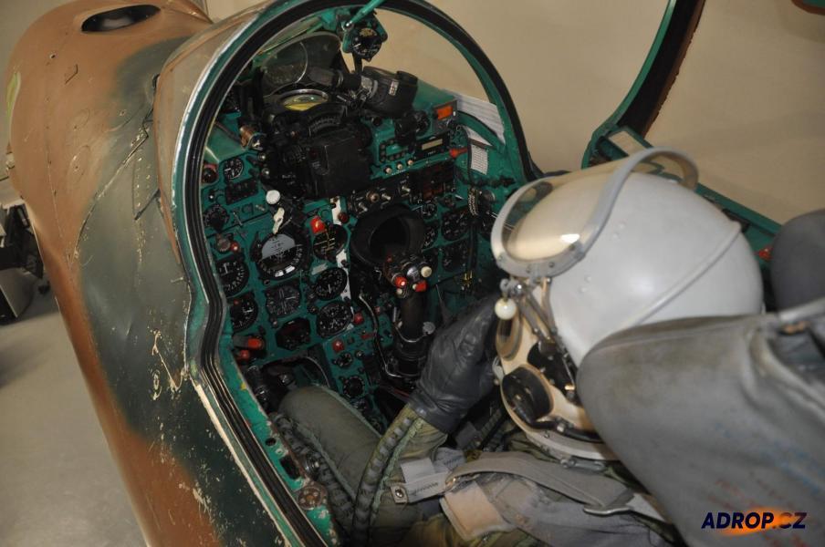 Letecký simulátor stíhačky Mig-21